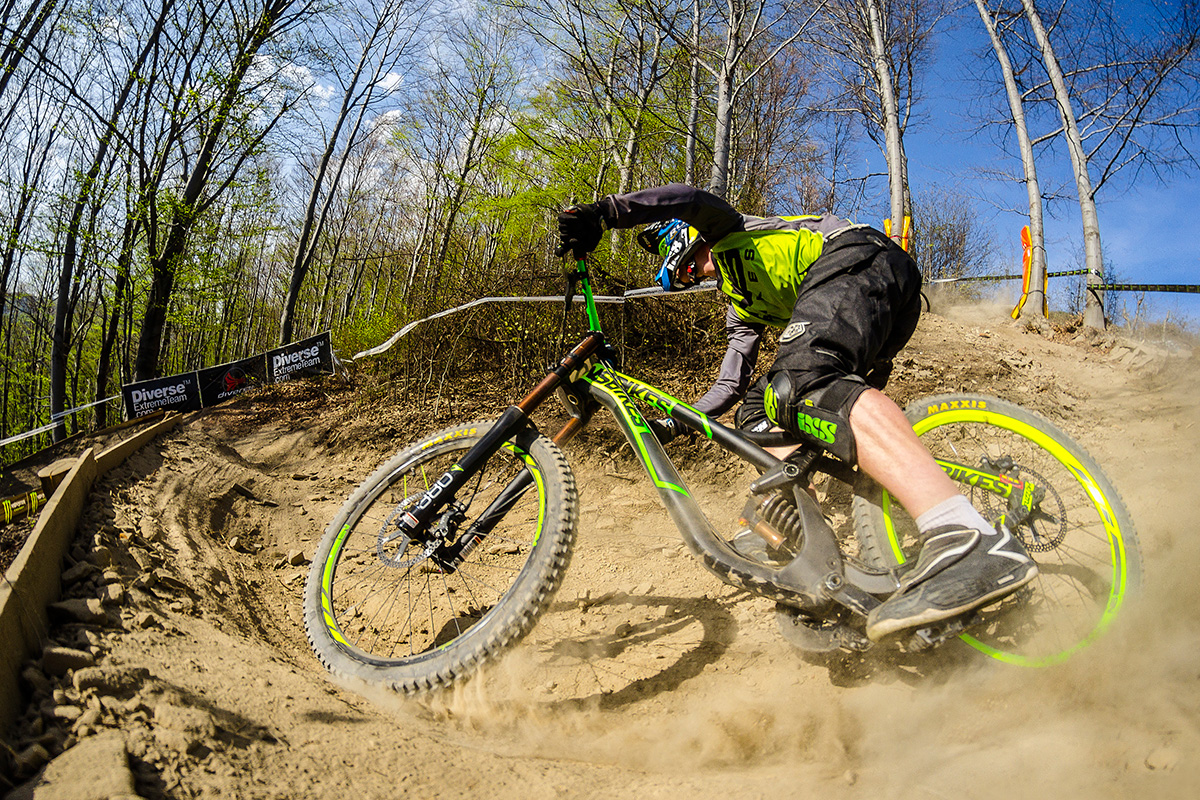 ns-bikes-dh-action-f